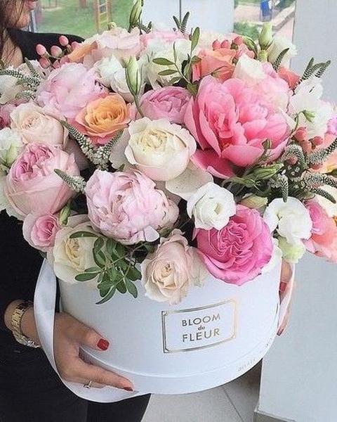 gyönyörű_virágkosár1